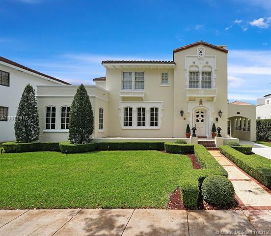 2622 Country Club Prado, Coral Gables, FL 33134 (MLS #A10571918) :: The Adrian Foley Group
