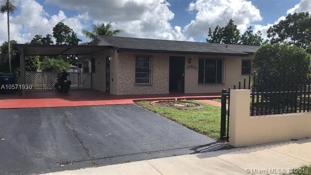 19801 NW 44th Pl, Miami Gardens, FL 33055 (MLS #A10571930) :: The Riley Smith Group