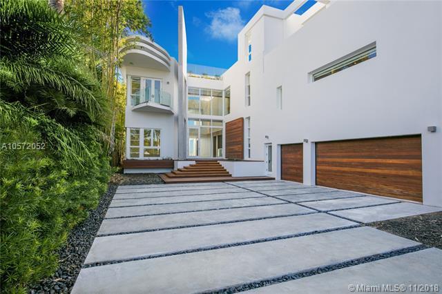 1374 S Venetian Way, Miami, FL 33139 (MLS #A10572052) :: The Adrian Foley Group