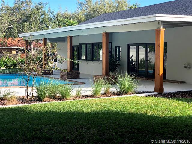18000 SW 78th Pl, Palmetto Bay, FL 33157 (MLS #A10572226) :: The Adrian Foley Group
