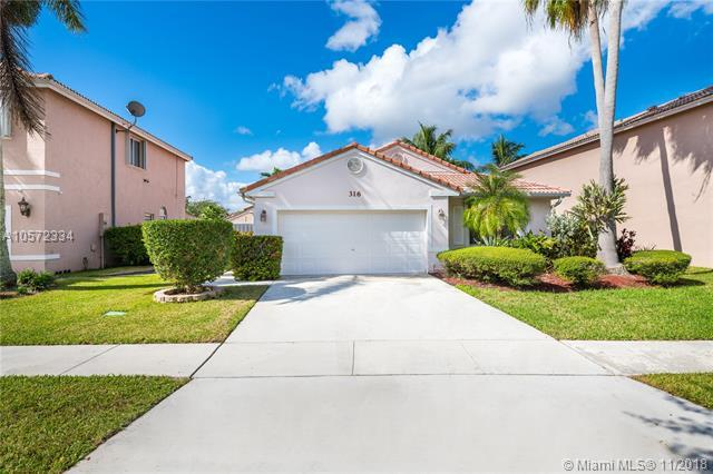 316 SW 194th Ave, Pembroke Pines, FL 33029 (MLS #A10572334) :: The Teri Arbogast Team at Keller Williams Partners SW