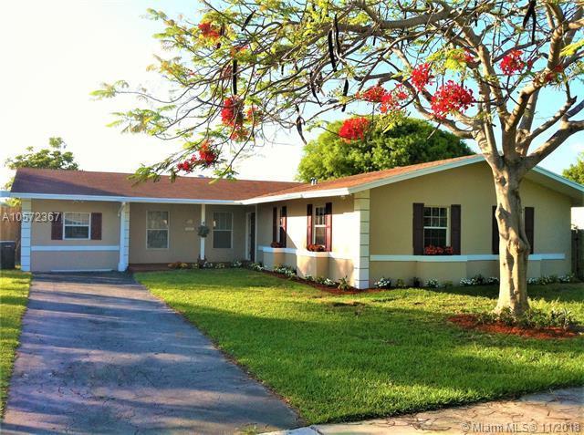 9545 Tiffany Drive, Cutler Bay, FL 33157 (MLS #A10572367) :: The Riley Smith Group