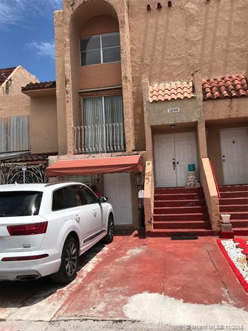 1099 W 43rd Pl, Hialeah, FL 33012 (MLS #A10572593) :: The Riley Smith Group