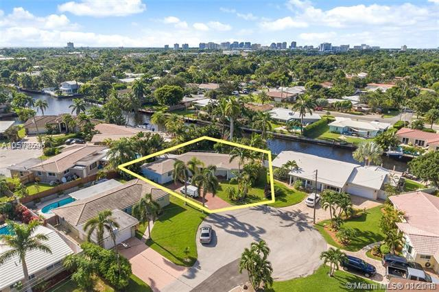 2106 NE 16th Ave, Fort Lauderdale, FL 33305 (MLS #A10572596) :: The Riley Smith Group