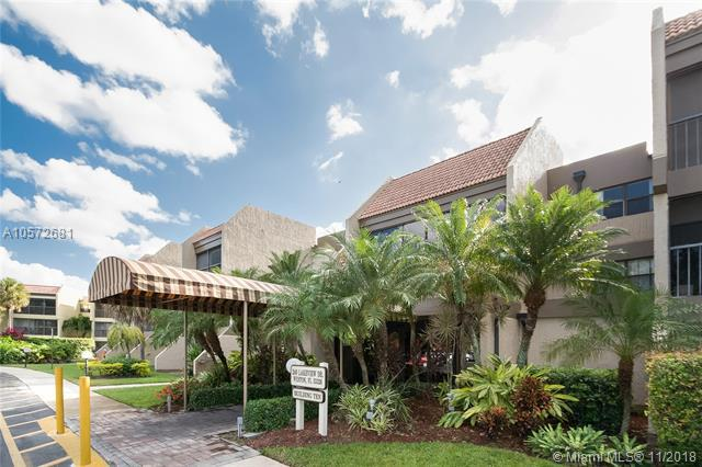 240 Lakeview Dr. #209, Weston, FL 33326 (MLS #A10572681) :: The Chenore Real Estate Group