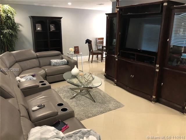 4152 Empire Way, Green Acres, FL 33463 (MLS #A10572698) :: Green Realty Properties