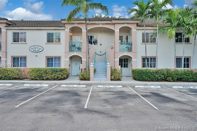 2250 NW 78th Ave #202, Pembroke Pines, FL 33024 (MLS #A10572723) :: The Riley Smith Group