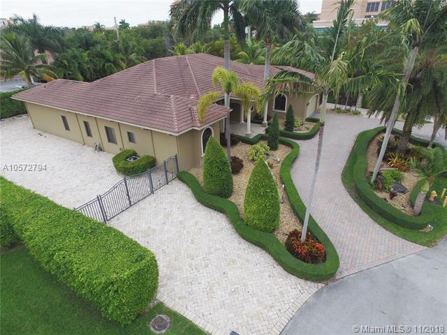 9402 SW 88th Ct, Miami, FL 33176 (MLS #A10572794) :: The Riley Smith Group