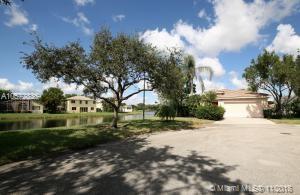 5304 Osprey St, Coconut Creek, FL 33073 (MLS #A10572836) :: Green Realty Properties