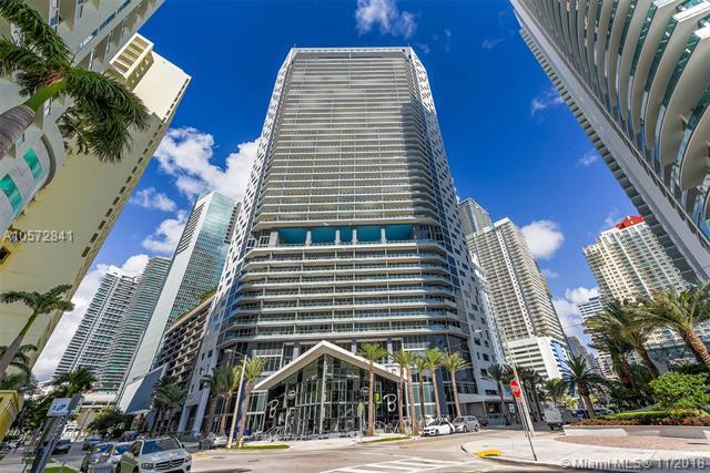 1300 Brickell Bay Dr #3403, Miami, FL 33131 (MLS #A10572841) :: Laurie Finkelstein Reader Team