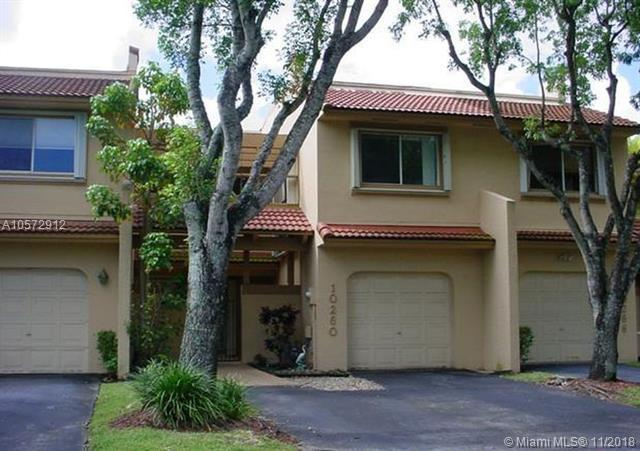 10260 NW 44th Ter, Doral, FL 33178 (MLS #A10572912) :: The Riley Smith Group