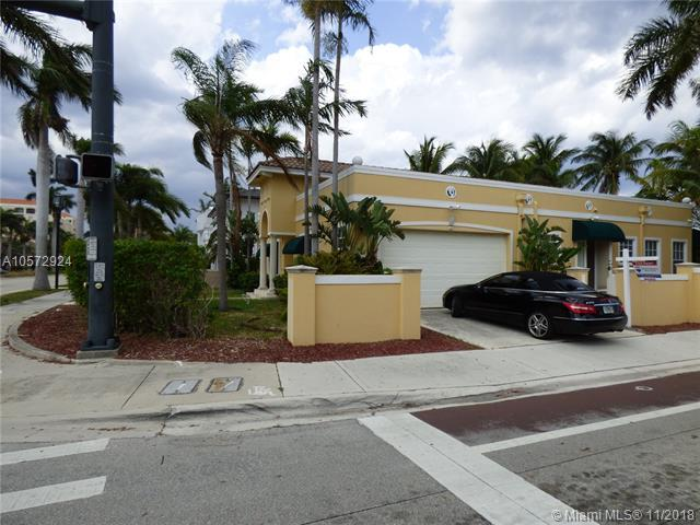 200 NE 2nd St, Boca Raton, FL 33432 (MLS #A10572924) :: Green Realty Properties