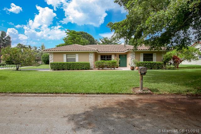 10753 NW 19th St, Coral Springs, FL 33071 (MLS #A10573187) :: Laurie Finkelstein Reader Team