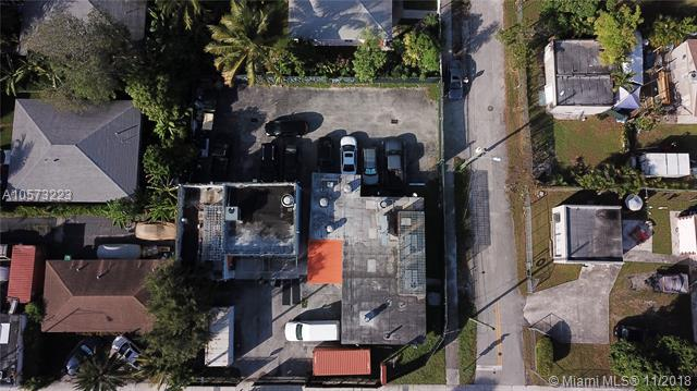 105 NW 62nd St, Miami, FL 33150 (MLS #A10573223) :: The Riley Smith Group