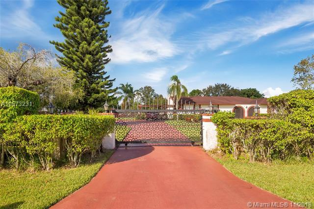 17401 SW 48th St, Southwest Ranches, FL 33331 (MLS #A10573231) :: The Teri Arbogast Team at Keller Williams Partners SW