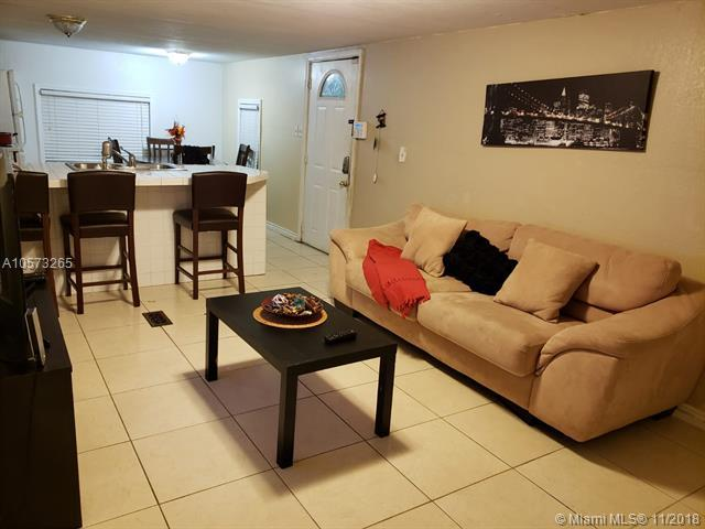 11201 SW 55th Ave, Miramar, FL 33025 (MLS #A10573265) :: The Chenore Real Estate Group