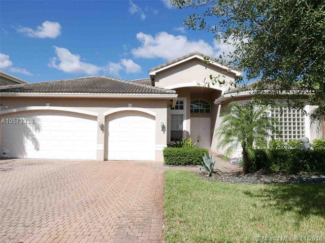 19361 SW 39th Ct, Miramar, FL 33029 (MLS #A10573328) :: The Riley Smith Group