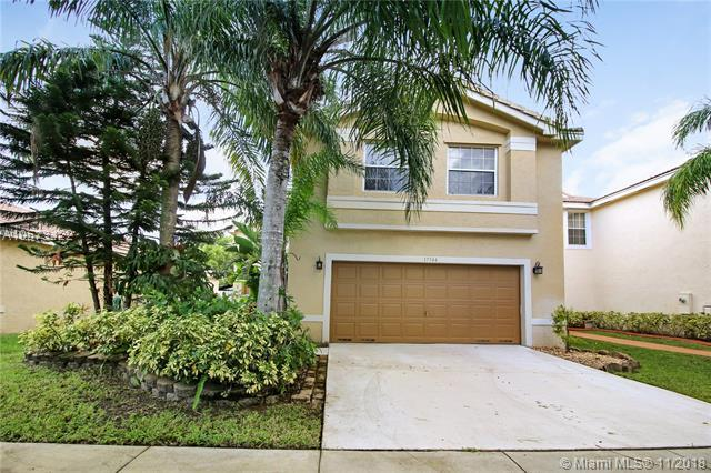 17344 SW 19th St, Miramar, FL 33029 (MLS #A10573422) :: The Chenore Real Estate Group