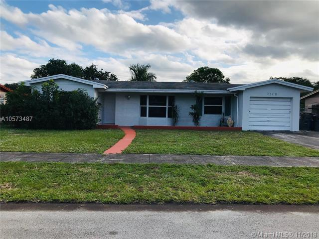 7508 Grant Ct, Hollywood, FL 33024 (MLS #A10573487) :: Green Realty Properties
