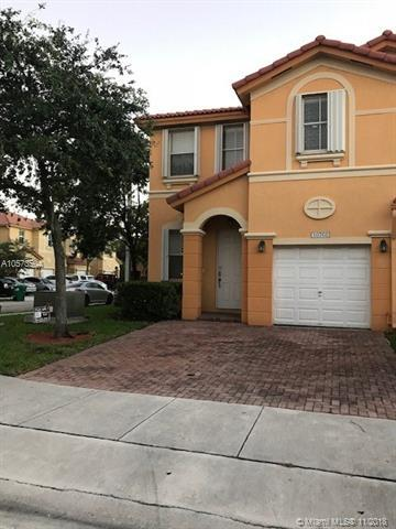 10768 NW 81st Ln, Doral, FL 33178 (MLS #A10573504) :: Green Realty Properties