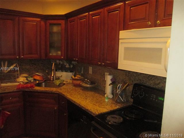 3115 Oakland Shores Dr E102, Oakland Park, FL 33309 (MLS #A10573794) :: Castelli Real Estate Services