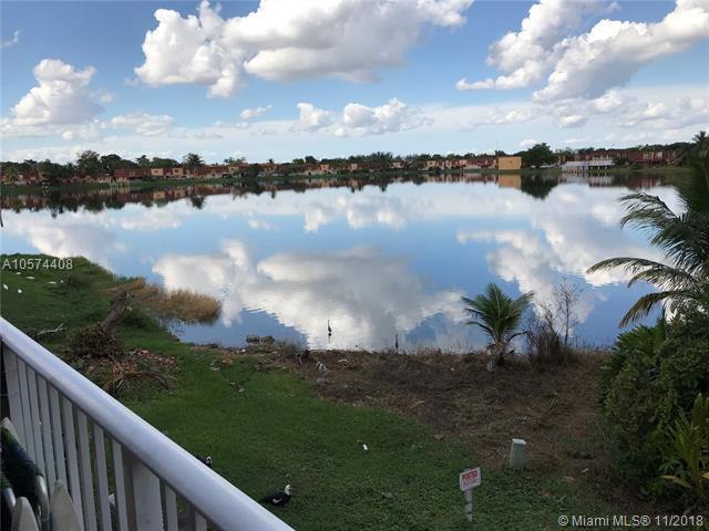 300 NW 107th Ave #204, Miami, FL 33172 (MLS #A10574408) :: The Teri Arbogast Team at Keller Williams Partners SW