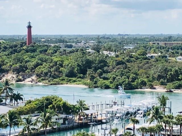 200 Beach Road Phc, Tequesta, FL 33469 (MLS #A10574569) :: Green Realty Properties