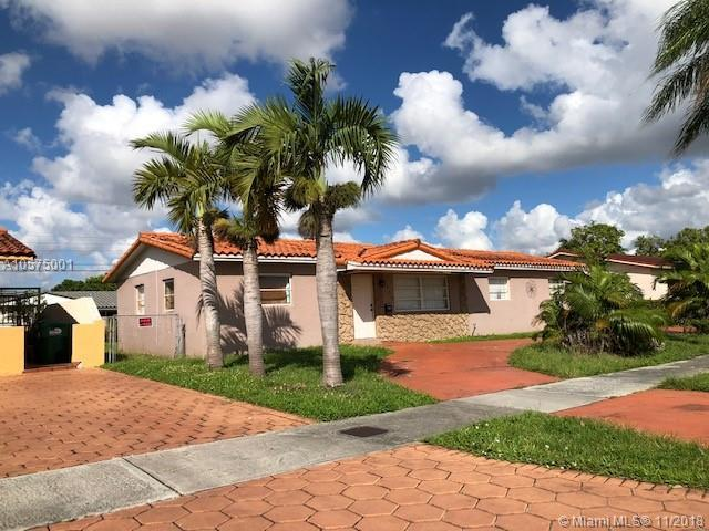 2700 SW 92nd Ct, Miami, FL 33165 (MLS #A10575001) :: The Teri Arbogast Team at Keller Williams Partners SW