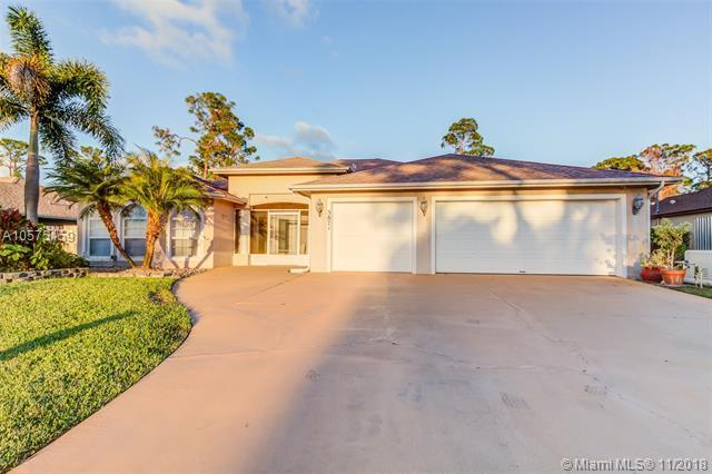 3871 SW Ramspeck St, Port St. Lucie, FL 34953 (MLS #A10575159) :: Green Realty Properties