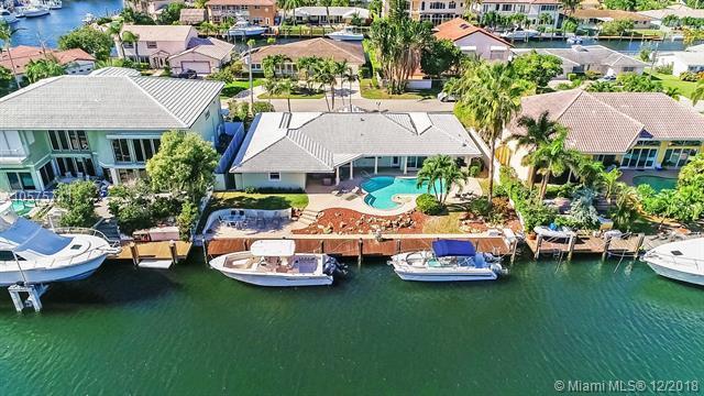 3720 NE 27th Ave, Lighthouse Point, FL 33064 (MLS #A10575741) :: Miami Villa Team
