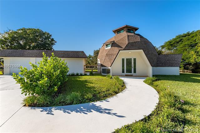 16400 Stirling Rd, Southwest Ranches, FL 33331 (MLS #A10575986) :: RE/MAX Presidential Real Estate Group
