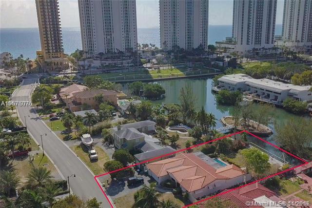 230 Atlantic Isle, Sunny Isles Beach, FL 33160 (MLS #A10576076) :: The Riley Smith Group