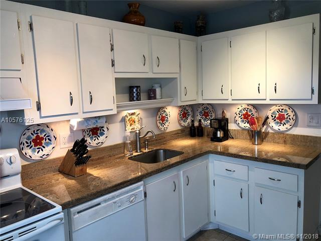 4164 Inverrary Dr #814, Lauderhill, FL 33319 (MLS #A10576125) :: Grove Properties