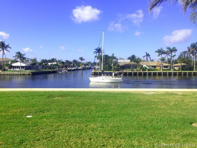 745 SE 19th Ave #116, Deerfield Beach, FL 33441 (MLS #A10576301) :: Miami Villa Team