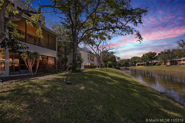 6149 Old Court Rd #128, Boca Raton, FL 33433 (MLS #A10576323) :: Green Realty Properties