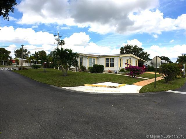 5203 NW 1st Way, Deerfield Beach, FL 33064 (MLS #A10576718) :: The Riley Smith Group