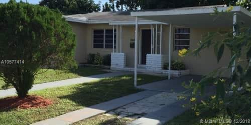 5617 SW 19th St, West Park, FL 33023 (MLS #A10577414) :: Miami Villa Team