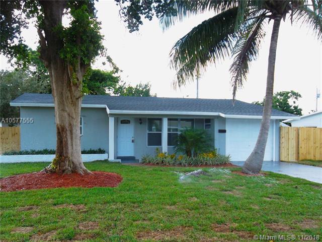 840 NE 32 Ct, Pompano Beach, FL 33064 (MLS #A10577555) :: Laurie Finkelstein Reader Team