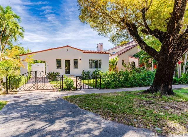 833 Madrid St, Coral Gables, FL 33134 (MLS #A10577775) :: The Jack Coden Group