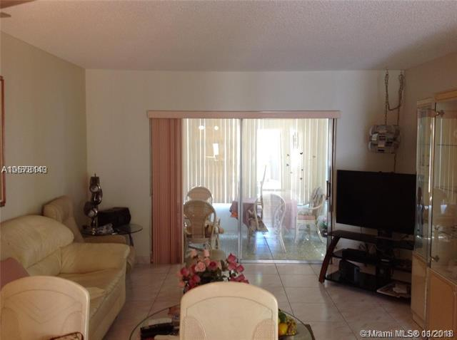 5181 W Oakland Park Blvd #214, Lauderdale Lakes, FL 33313 (MLS #A10578143) :: Green Realty Properties