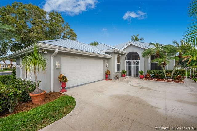 2643 SW Greenwich, Palm City, FL 34990 (MLS #A10578333) :: Laurie Finkelstein Reader Team