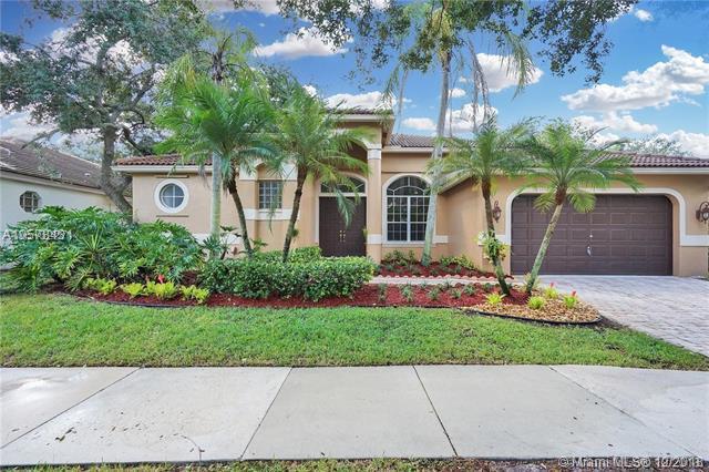 1489 Lantana Ct, Weston, FL 33326 (MLS #A10578431) :: Green Realty Properties