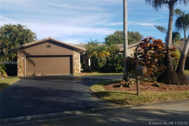 2155 NW 86th Way, Coral Springs, FL 33071 (MLS #A10578434) :: Laurie Finkelstein Reader Team