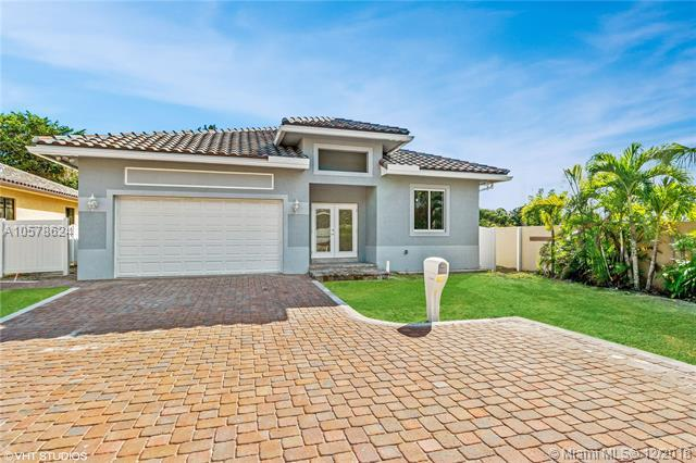 5870 SW 39 WAY, Dania Beach, FL 33312 (MLS #A10578624) :: Green Realty Properties