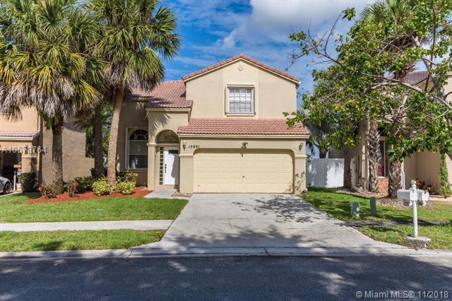15891 NW 5th, Pembroke Pines, FL 33028 (MLS #A10578764) :: Green Realty Properties