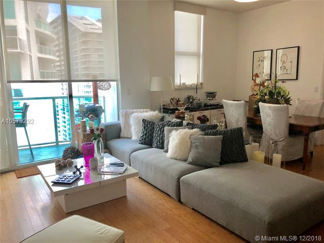 31 SE 5th St #4321, Miami, FL 33131 (MLS #A10579292) :: The Howland Group