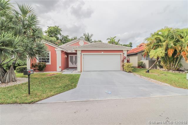 249 NW 48th Ave, Deerfield Beach, FL 33442 (MLS #A10579499) :: Green Realty Properties