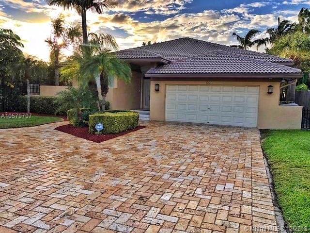 513 S Riverside Dr, Pompano Beach, FL 33062 (MLS #A10579707) :: Green Realty Properties