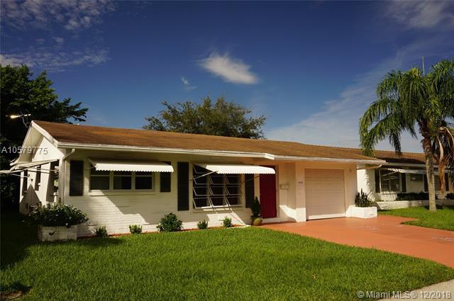5609 NW 49th Ter, Tamarac, FL 33319 (MLS #A10579775) :: Green Realty Properties