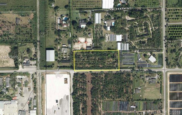 18295 SW 256th St, Homestead, FL 33031 (MLS #A10579815) :: Miami Villa Team